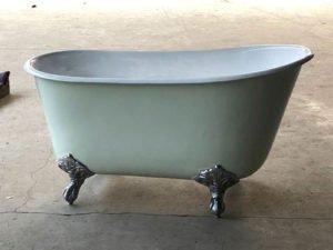 Tassbadkar i allmogegrönt